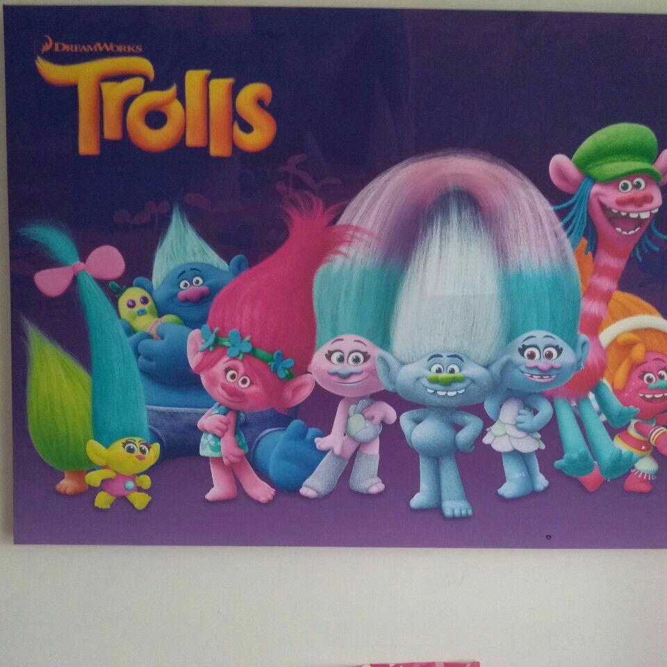 Trolls canvas