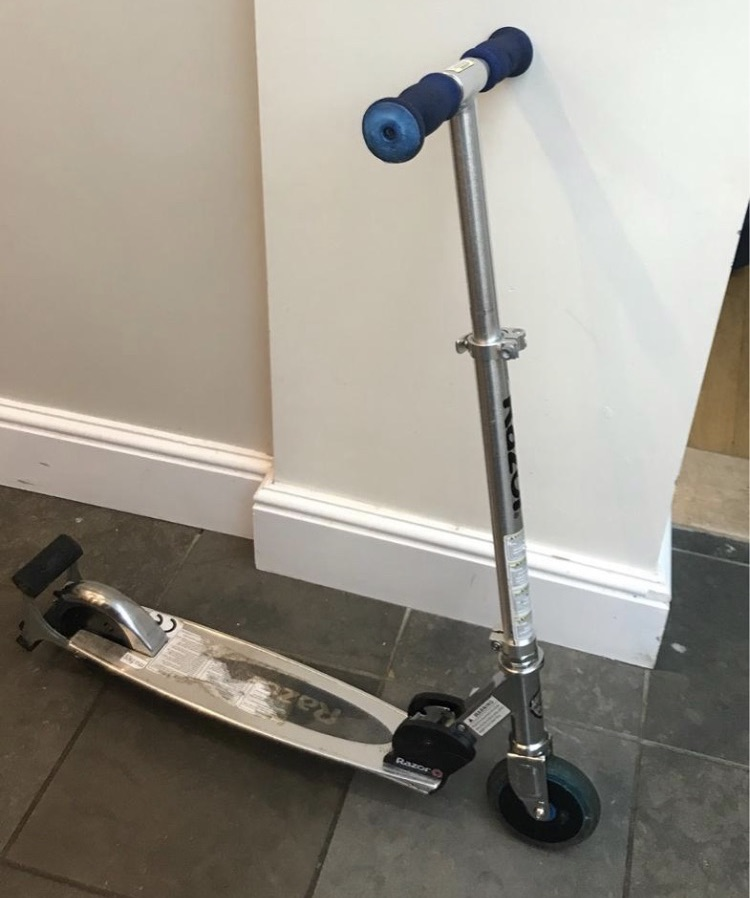 Sparking scooter