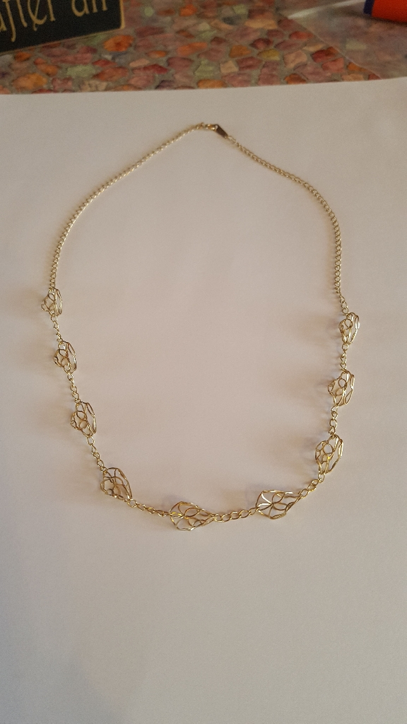 9ct  gold filigree necklace