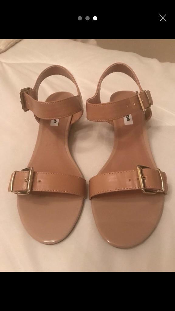 Ladies Dune Sandals Size 8