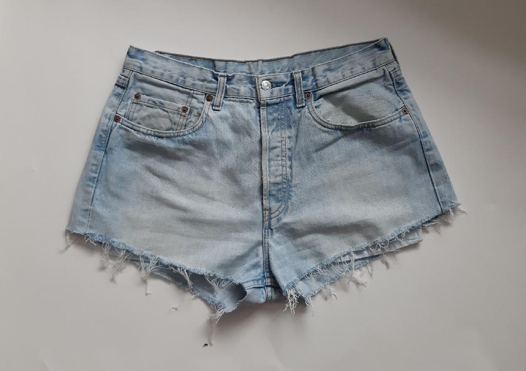 Levi's 501 reworked 1980's vintage cutoff shorts waist 34