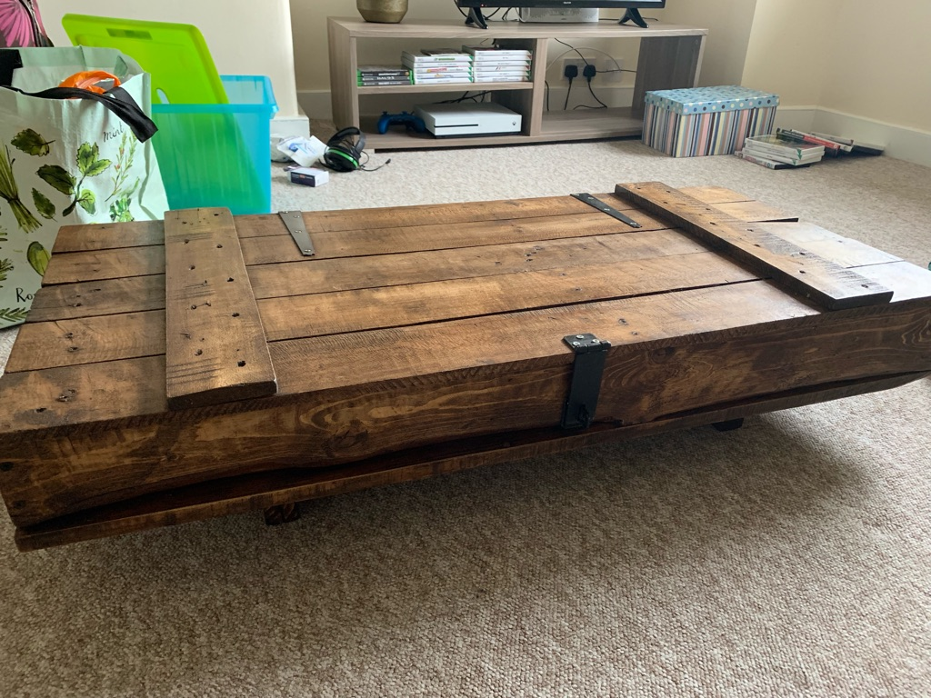VINTAGE COFFEE TABLE BRAND NEW