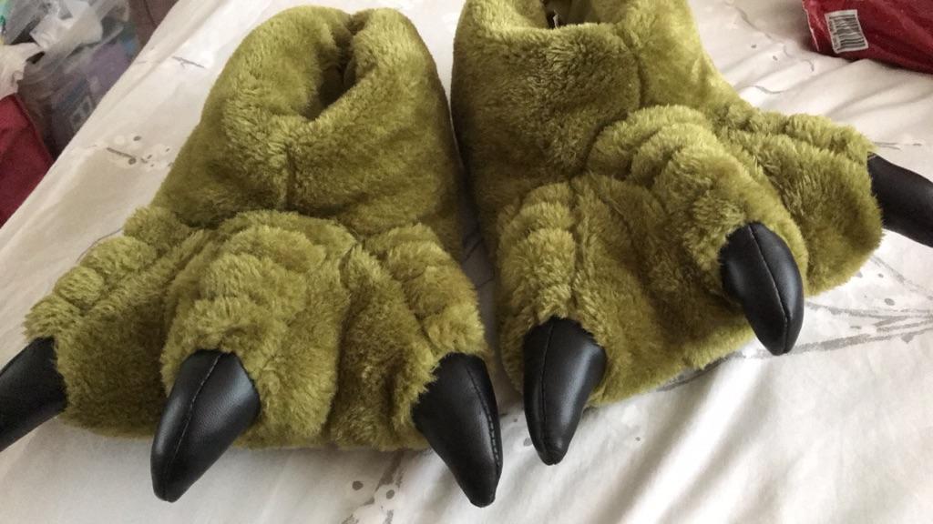 Green monster feet slippers - shoe size 4
