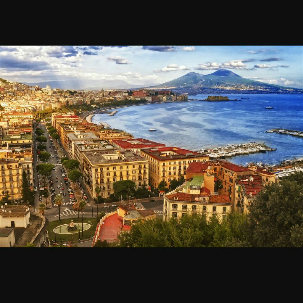 Return flights from Dublin to Naples