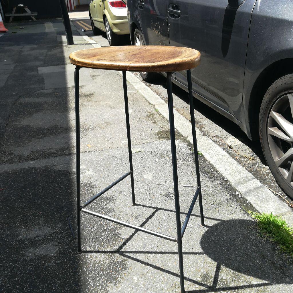 Elegant bar stool