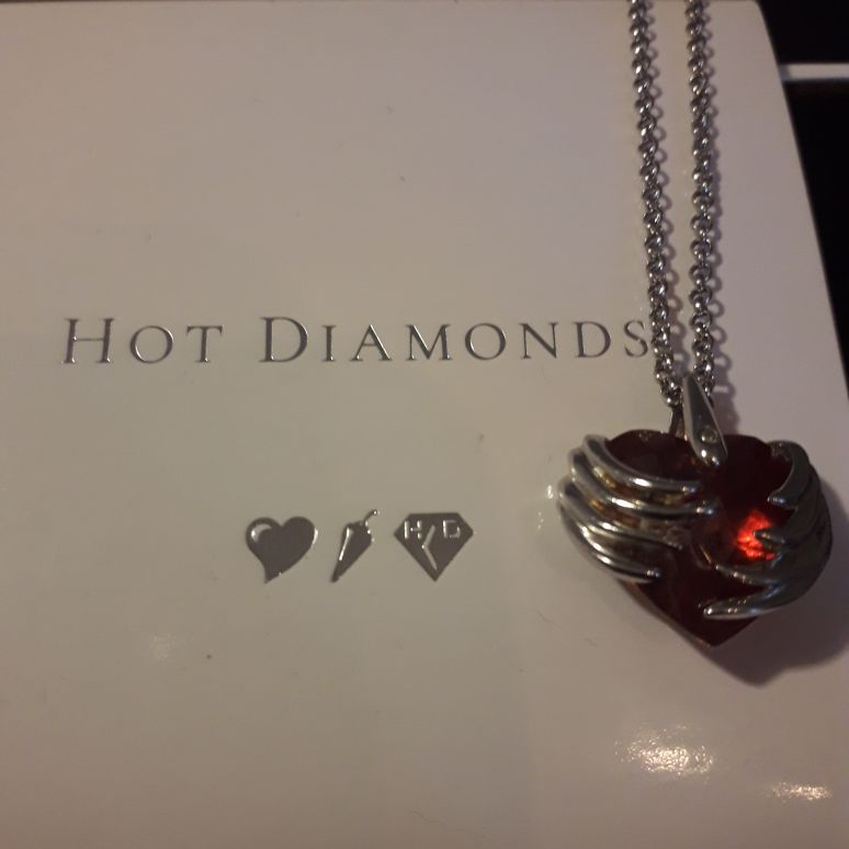Hot Diamonds limited edition Necklace
