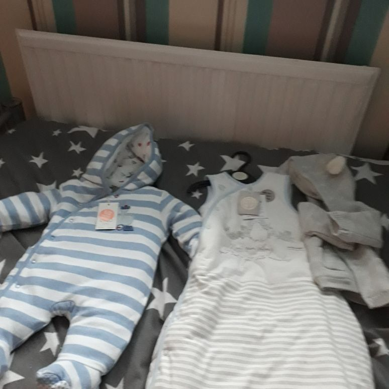 2 body warmers 6months/3months