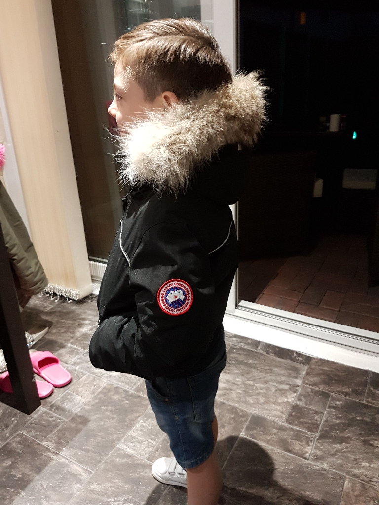 Canada goose coat age 4 to 5 no offers