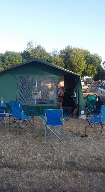 Trailer tent Conway