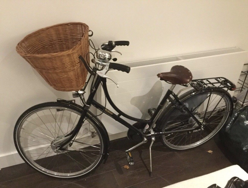 Pashley Princess Sovereign 8 Speed Womens Hybrid Classic Bike in Buckingham Black.