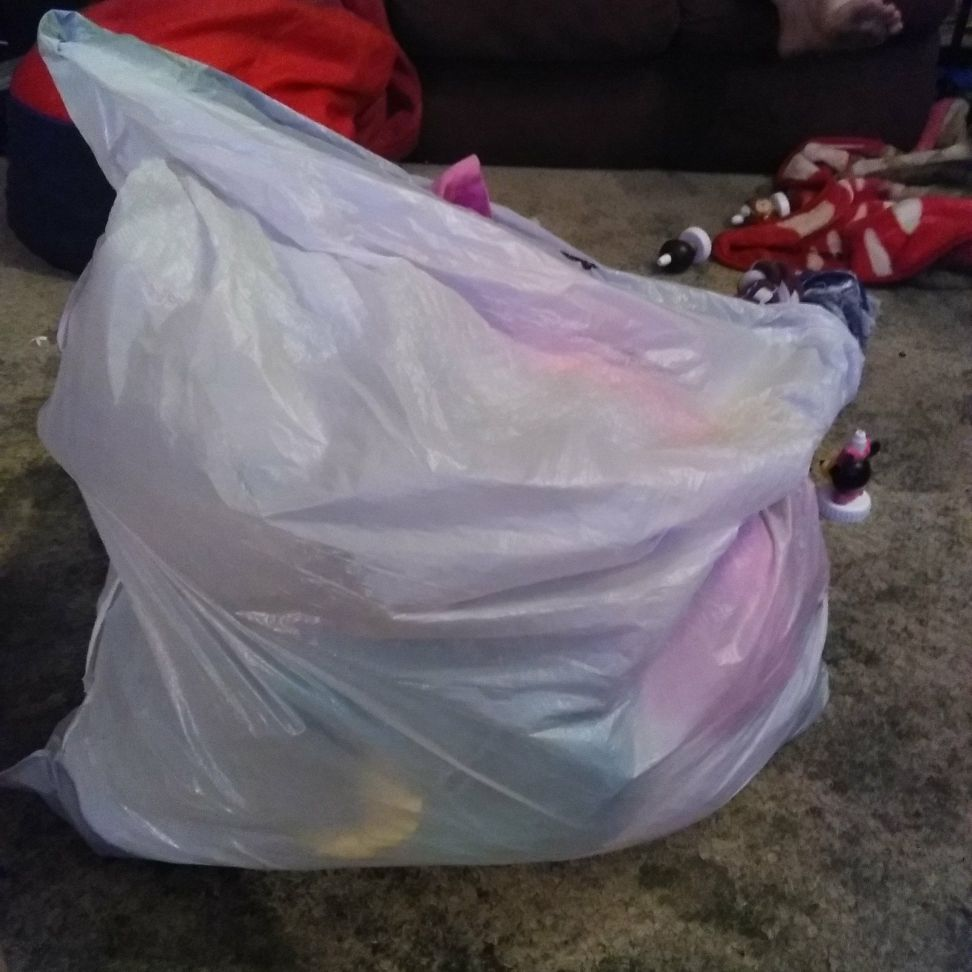 Bag of womrn clothes and bags