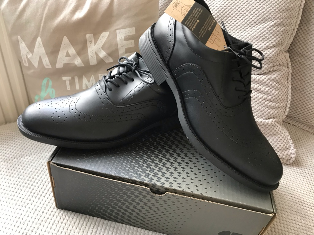 Shoes For Crews Men's safety smart shoes BRAND NEW