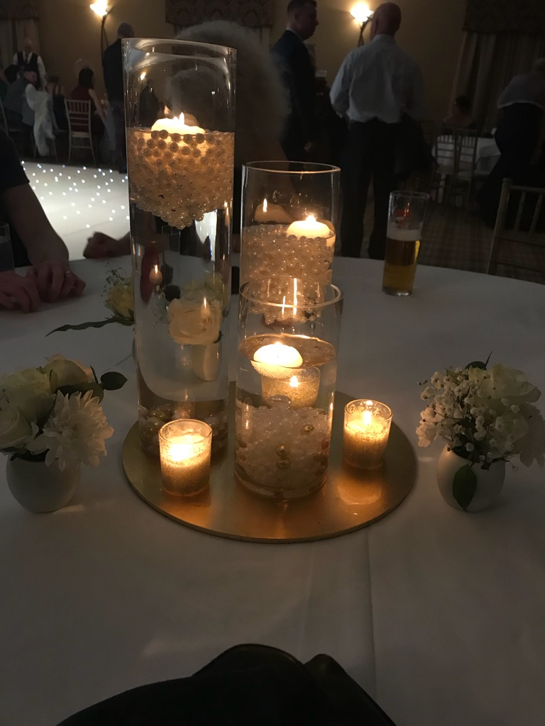 21 wedding centrepiece vases with pearls