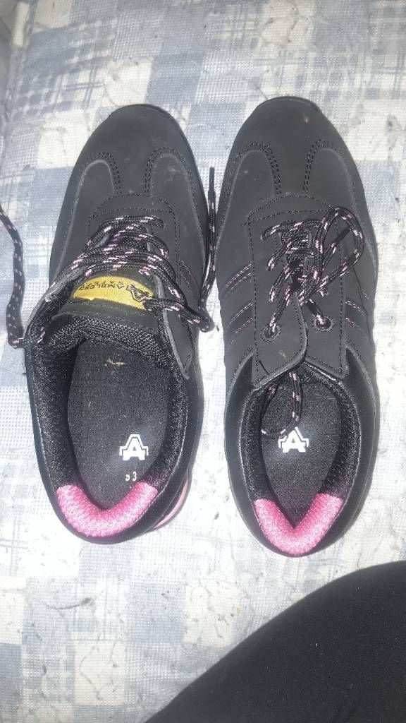 Amblers Safety Size 3 Steel Cap Shoes For Sale