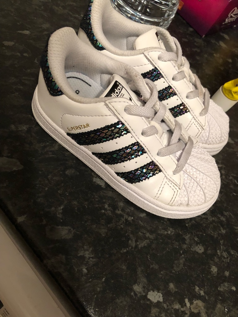 Toddler Adidas size 7