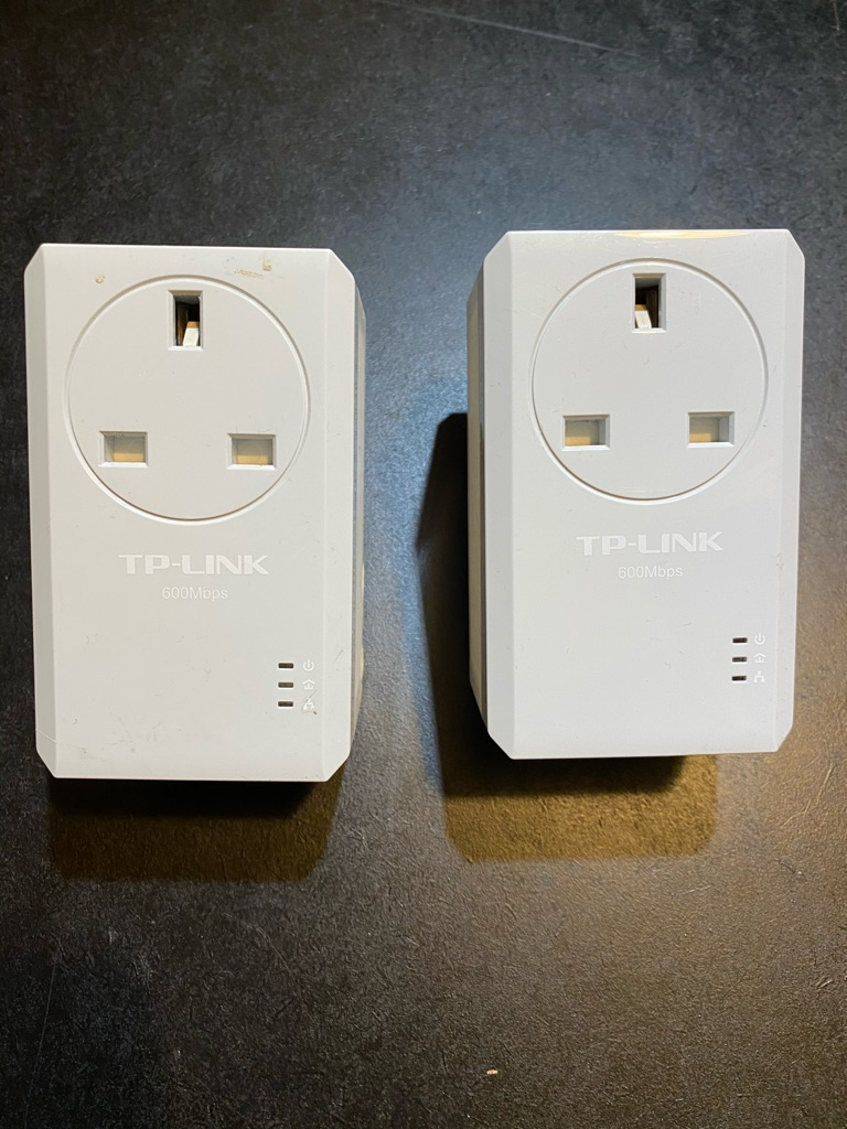 TP-LINK 600Mbps TL-PA4010PKIT Powerline Adapters