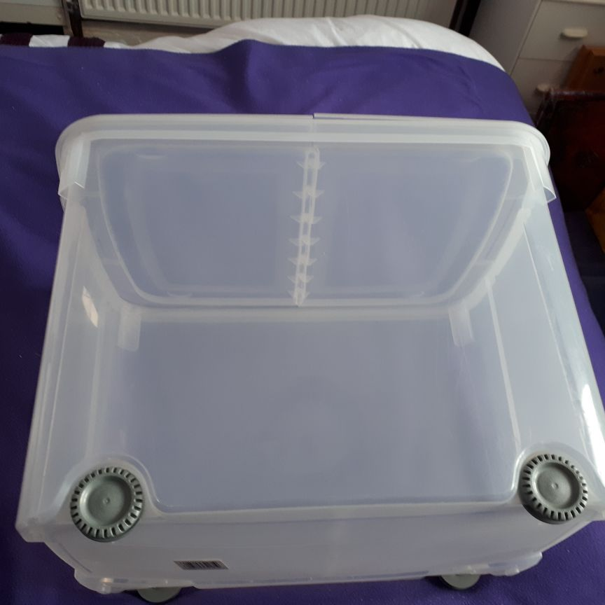 4 X 70 LITRE STORAGE CONTAINERS WITH LIDS