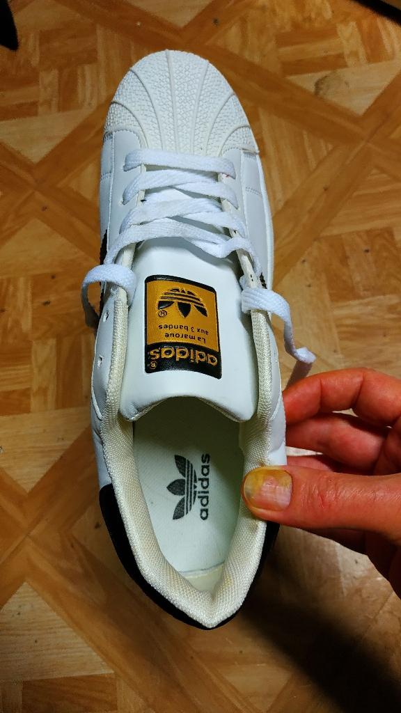 New women adidas sz 9