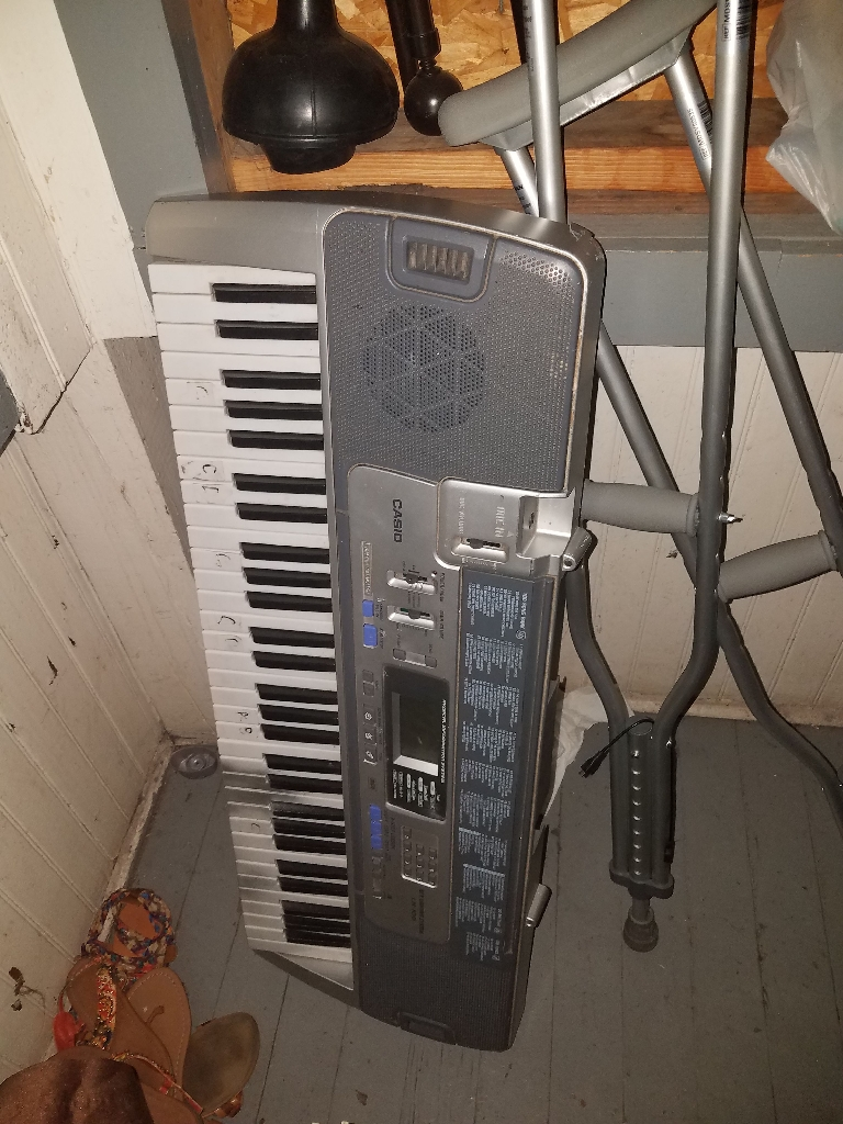 Casio Piano with power cord, works brand new!