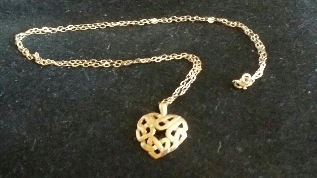 9ct gold Heart Pendant necklace
