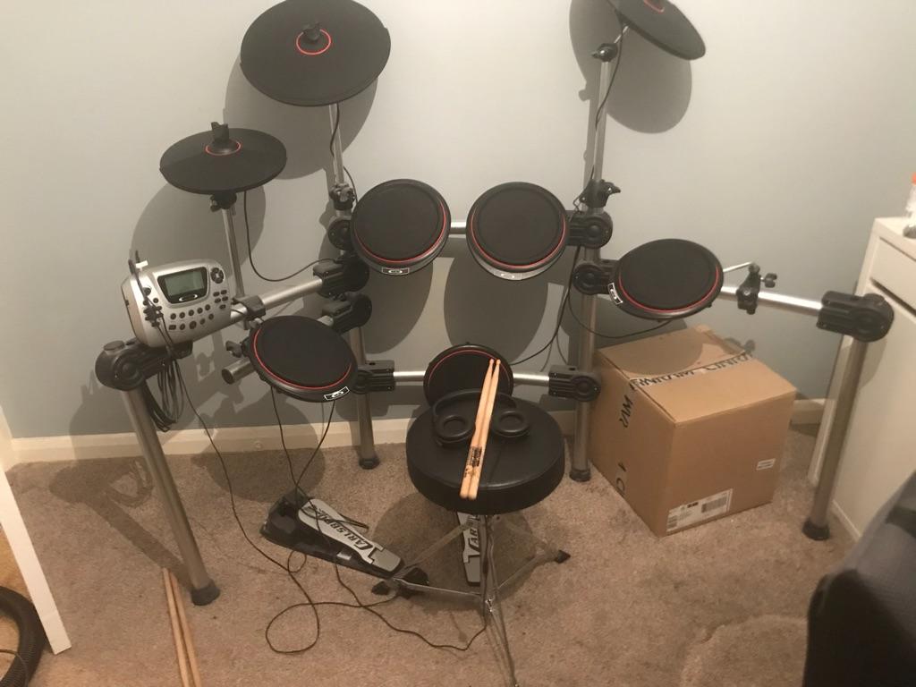 Digital drum kit Carlsbro CSD200 - used twice