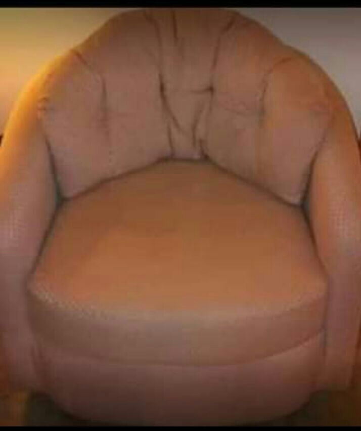 Antique Pink Swivel chair