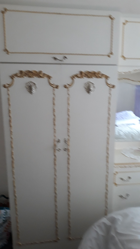 Set of wardrobes/drawers