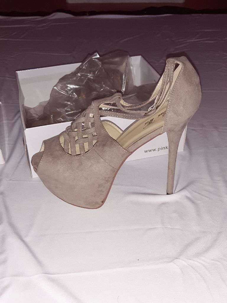 Ladies high heels size 7