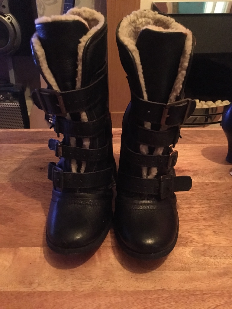 Winter boots from River Island (size 5)