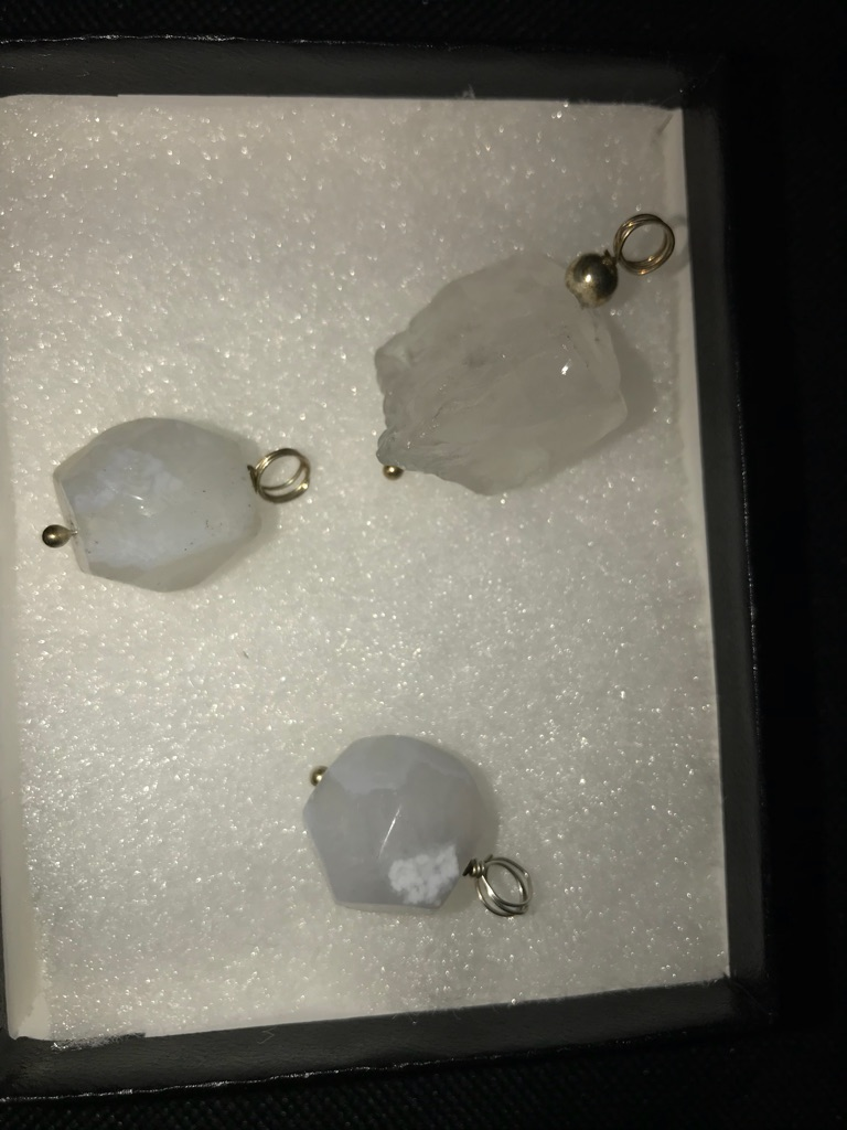 Gems stones pendant 3 pieces