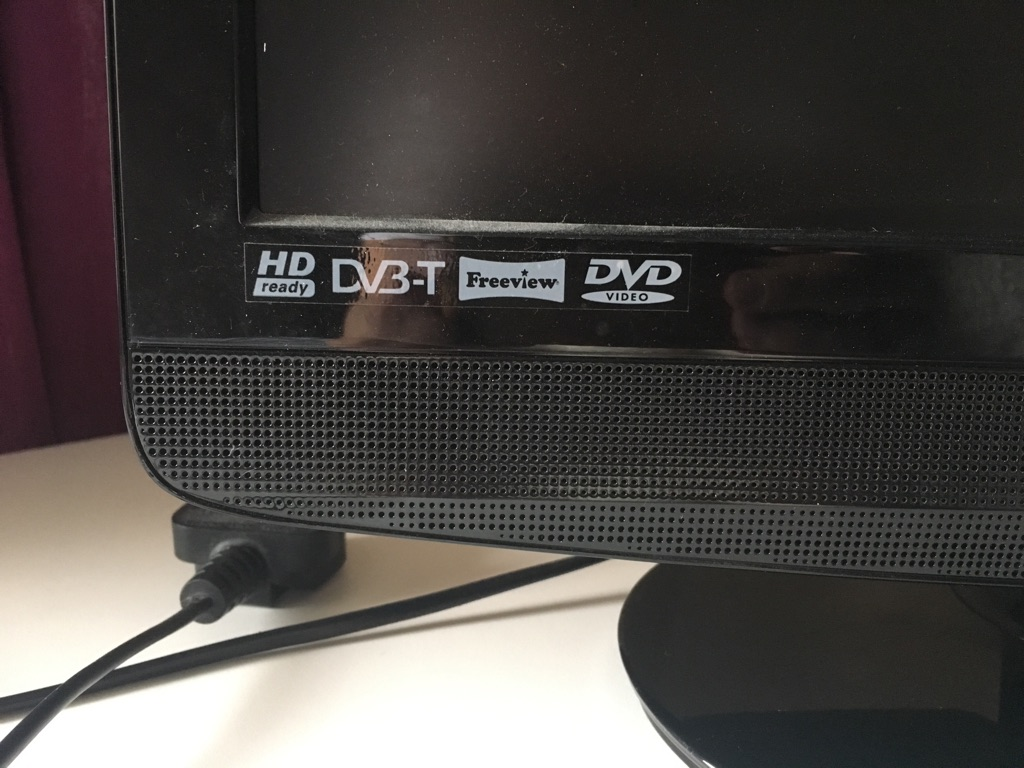 22 inch LCD TV (freeview / DVD / HD ready)