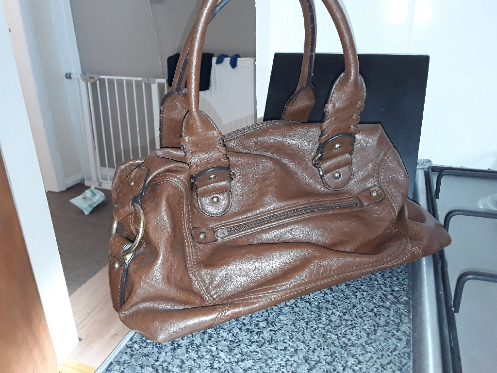 Brown leather bag. Nine West.