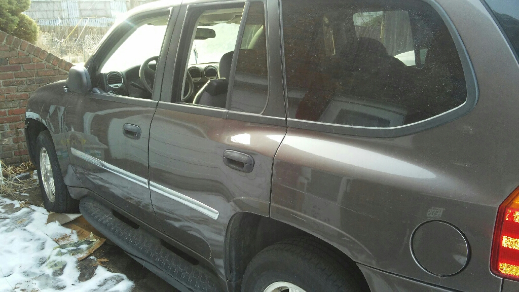 2008 gmc envoy great for mechanical person to part out/fix. $$$TRIPLE your $$$