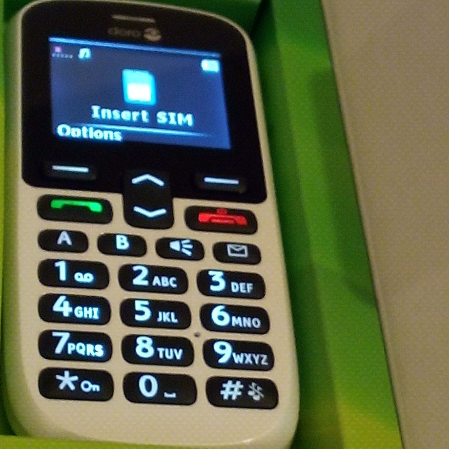 New phone in box no charger