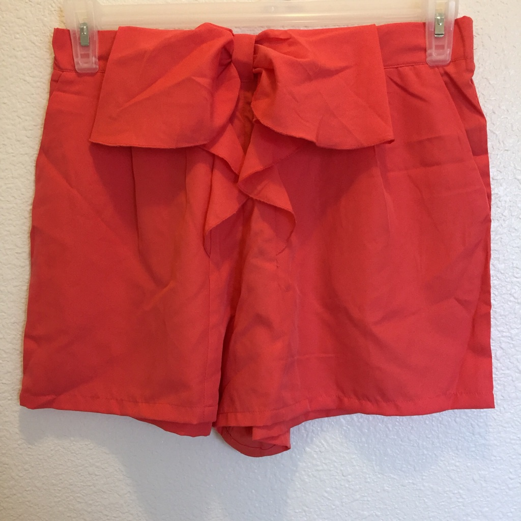 Salmon loose Fit Shorts with pockets and bow