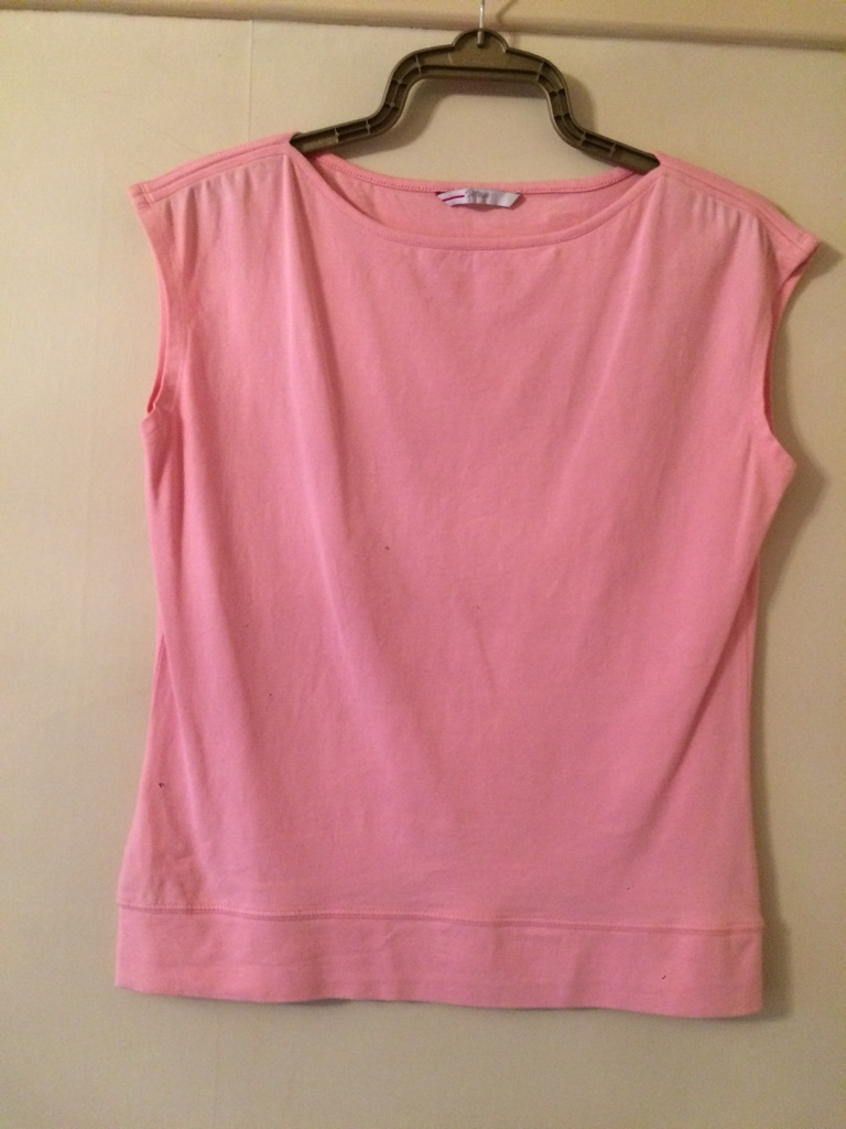 Various ladies tops, unworn, some still with tags (see pics)