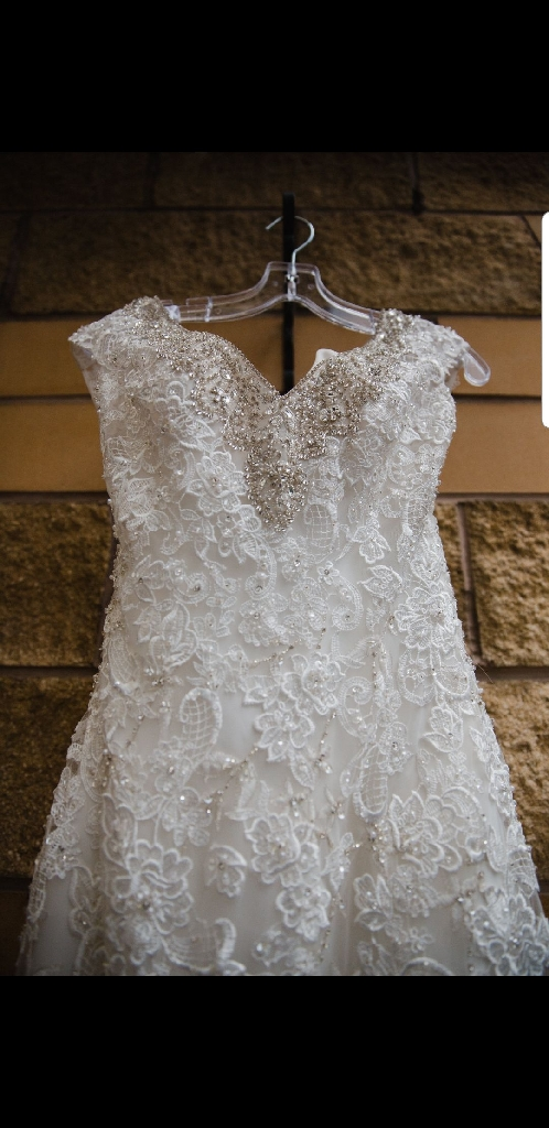 Allure couture size 10 wedding dress