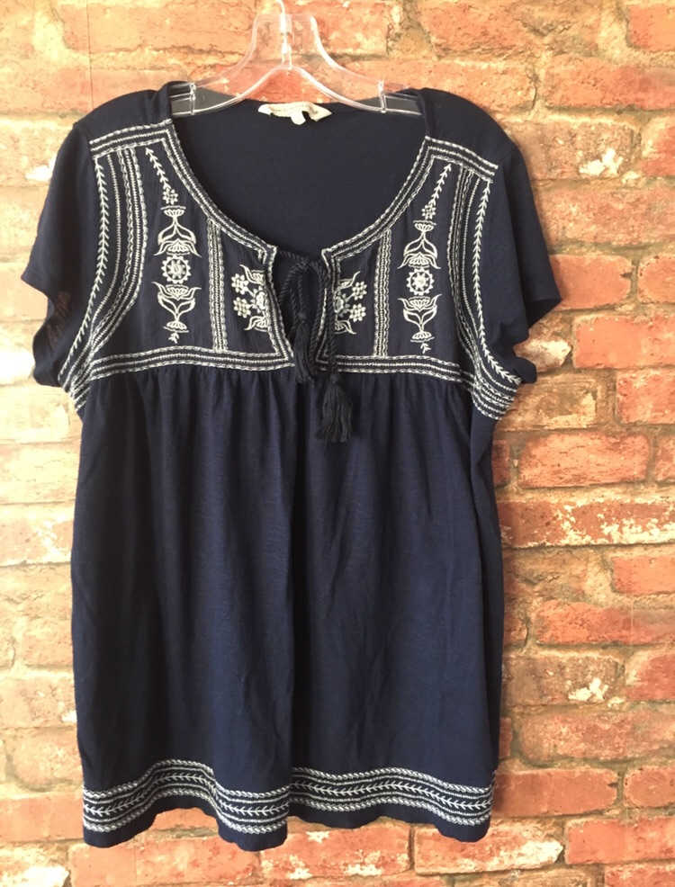 Ladies Top Size 18 Excellent Condition (postage available)