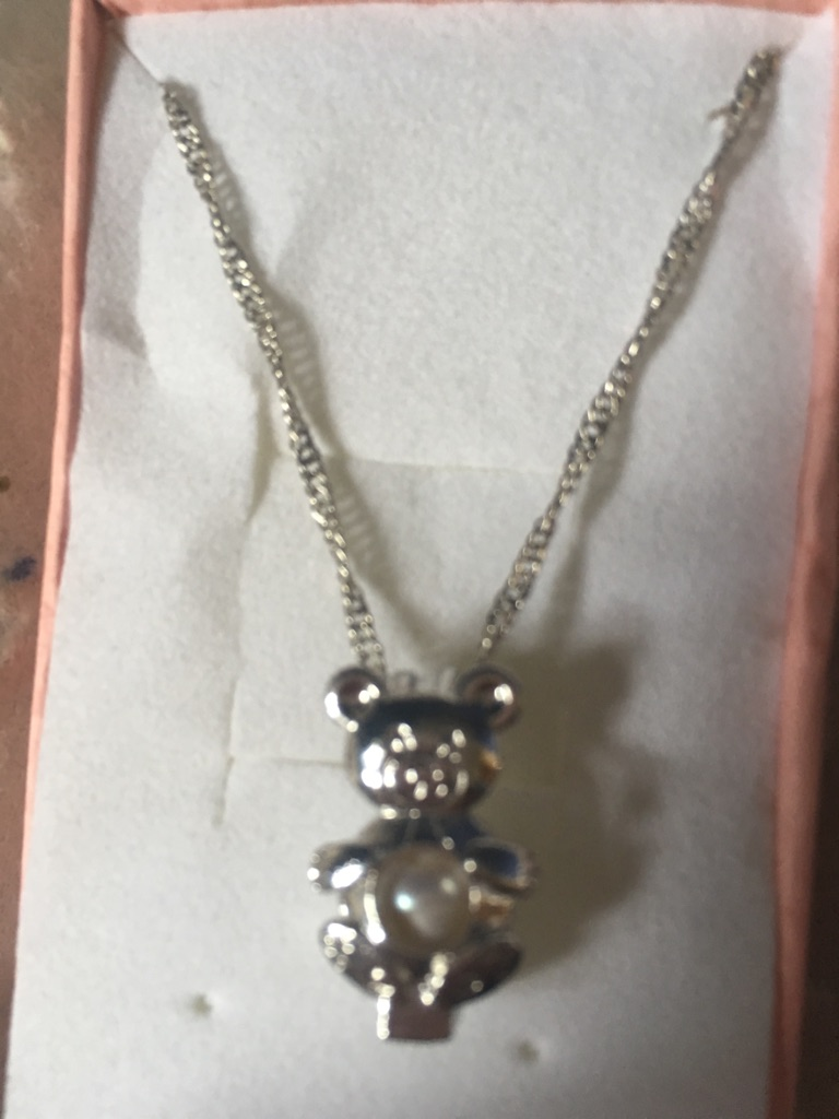 Little girls brand new teddy bear necklace