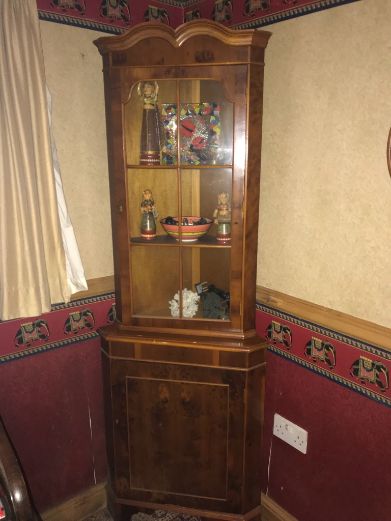 Wood Veneer Corner Glass Cabinet
