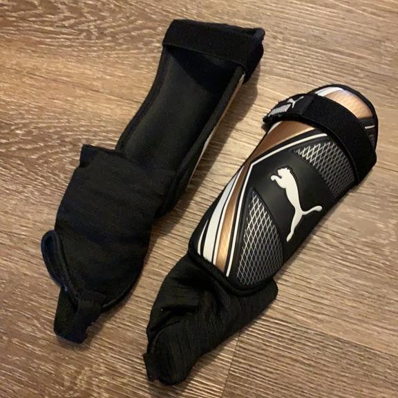 Puma child's shin pads size M
