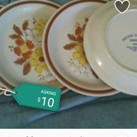 Set of 4 ceramic plates