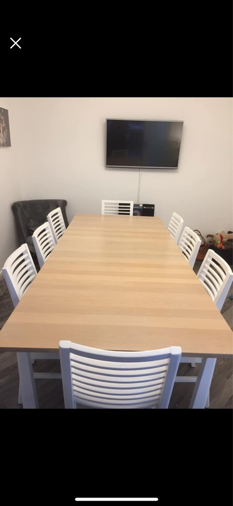 Solid Oak and white oak extending Table with 8 chair