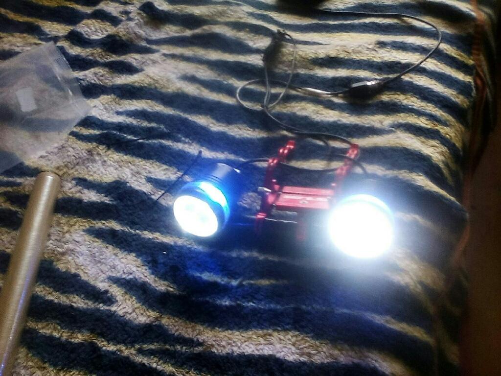 1000 lumens power pack