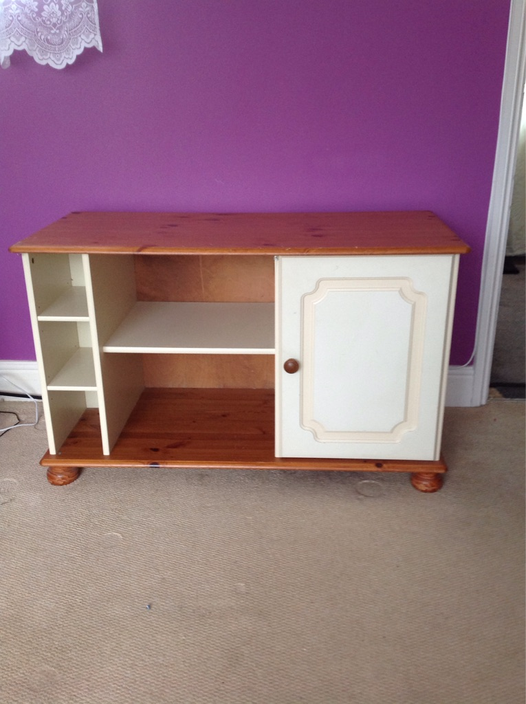 Cream and wood tv cabinet/chest
