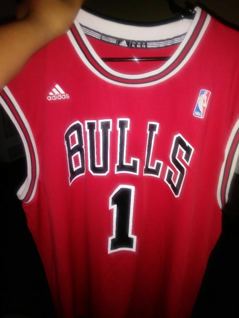 A Chicagobulls shirt