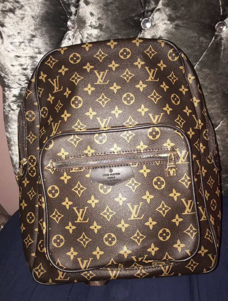 Original Louis Vuitton bag pack