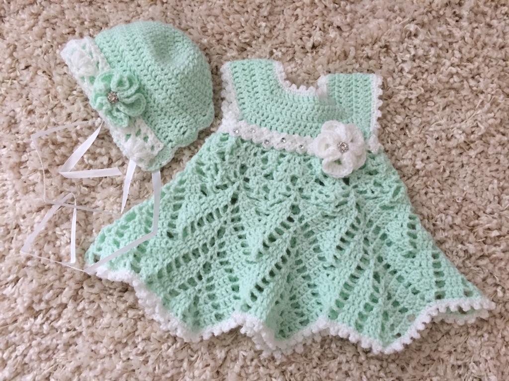 Crochet dress with bonnet