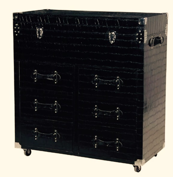 Chest of drawer - black trunk