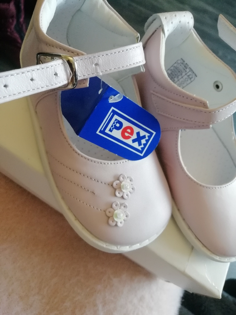Brand New Baby Girls PEX pink traditional shoes size 22 / 5